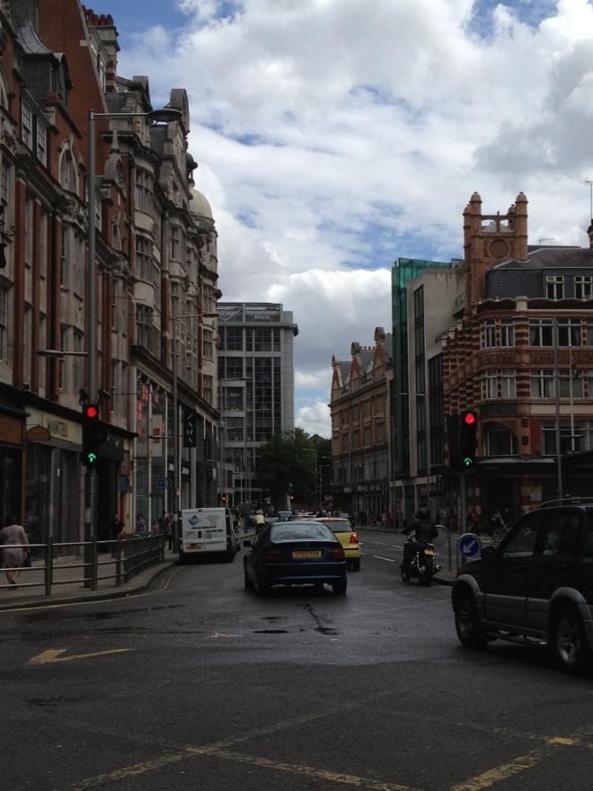 La via in cui vive/lavora Kat (Kensington High Street)