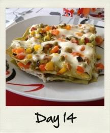 Mangiare le lasagne alle verdure per pranzo!